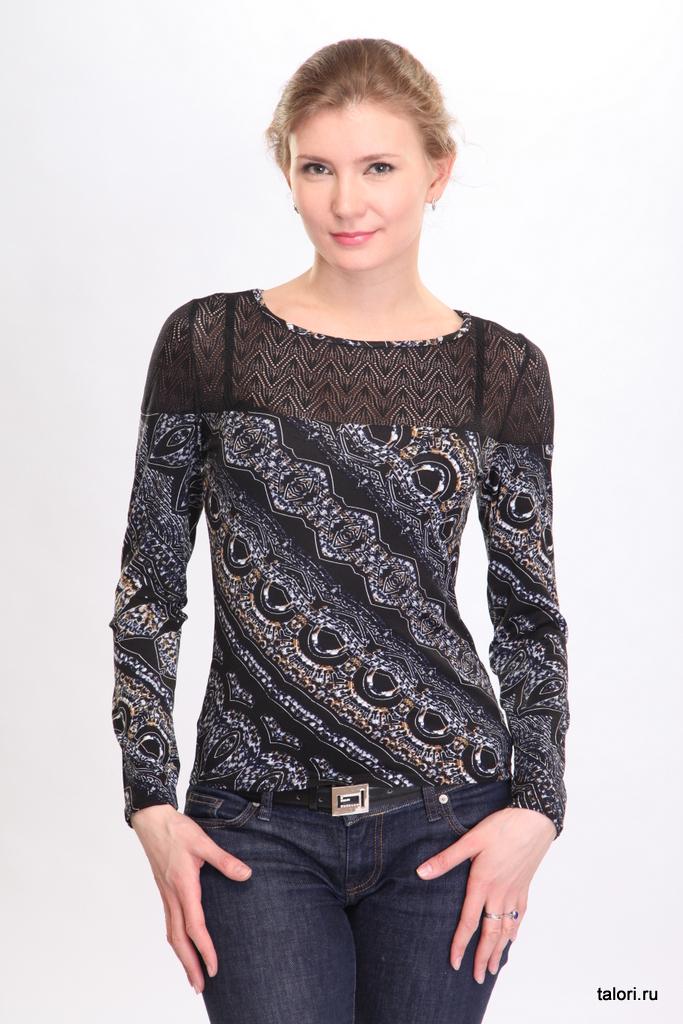 Элегантная и практичная женская блуза из вискозы. Кокетки переда и спинки, верх рукавов выполнены из черного трикотажного кружев. Блуза может использоваться и как самостоятельная часть женского гардероба и в комплекте с жакетами, жилетами и туниками.